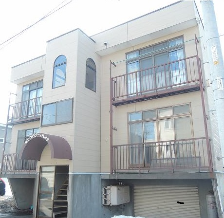 北海道札幌市西区、発寒中央駅徒歩15分の築26年 3階建の賃貸アパート