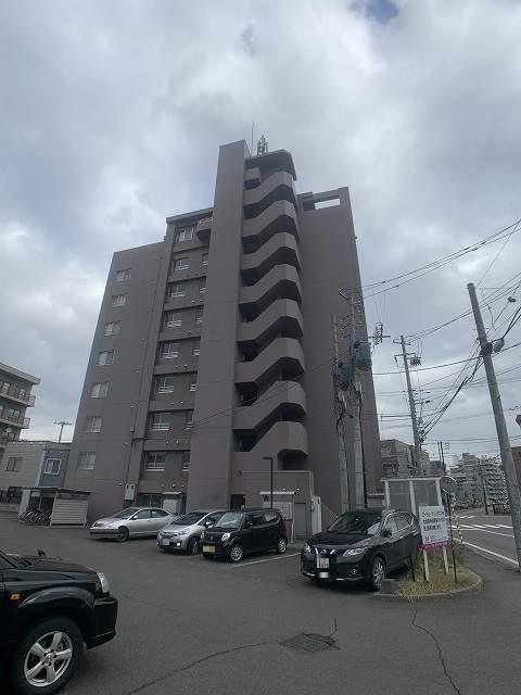 北海道札幌市西区、琴似駅徒歩10分の築18年 9階建の賃貸マンション