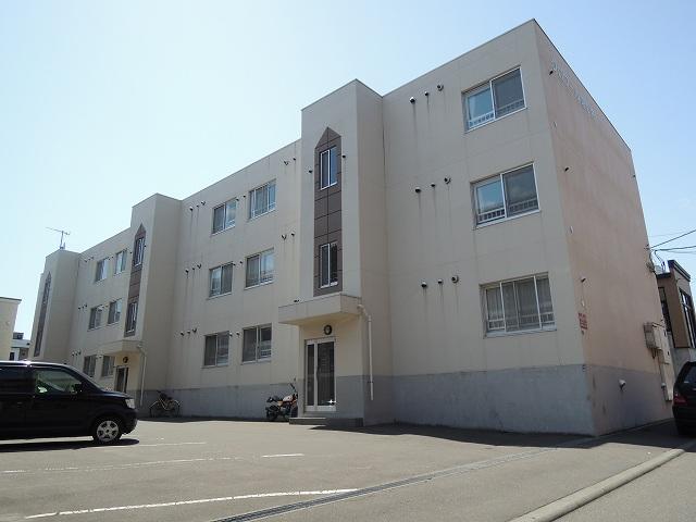 北海道札幌市西区、発寒駅徒歩19分の築15年 3階建の賃貸マンション