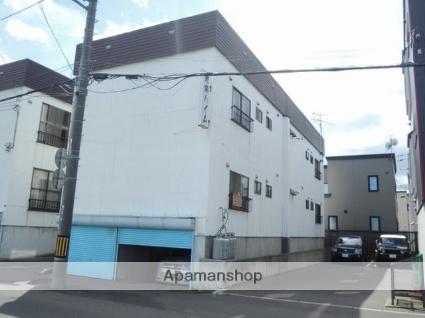 北海道札幌市西区、発寒駅徒歩11分の築30年 3階建の賃貸アパート