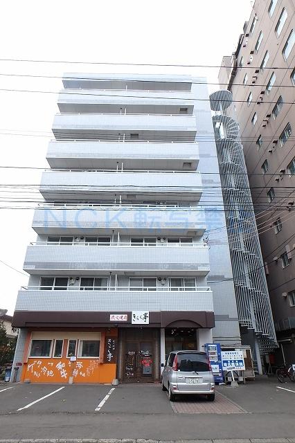 北海道札幌市西区、琴似駅徒歩12分の築27年 8階建の賃貸マンション