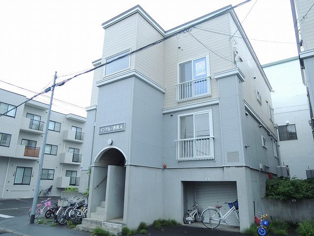 北海道札幌市西区、宮の沢駅徒歩13分の築21年 3階建の賃貸アパート
