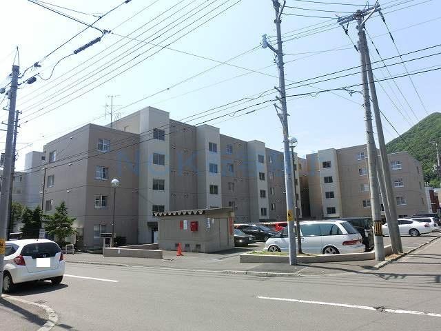 北海道札幌市西区、琴似駅JR北海道バスバス21分山の手高校前下車後徒歩6分の築34年 5階建の賃貸マンション