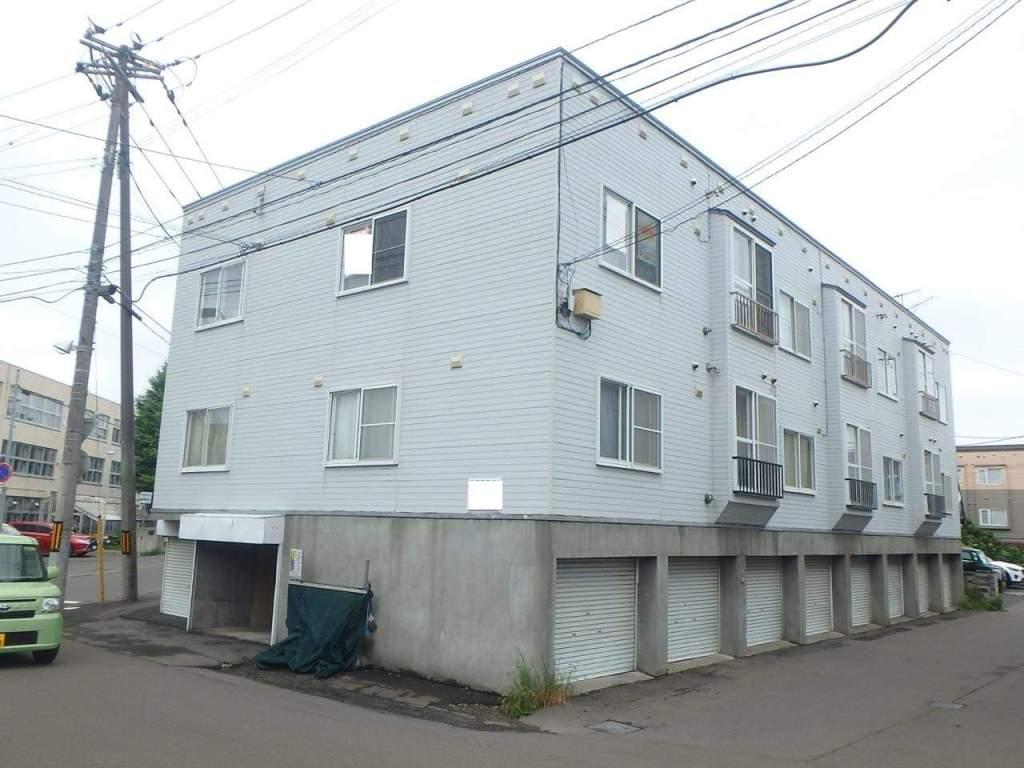 北海道札幌市西区、発寒中央駅徒歩15分の築27年 3階建の賃貸アパート