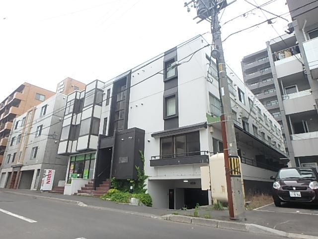 北海道札幌市西区、琴似駅徒歩10分の築32年 3階建の賃貸マンション