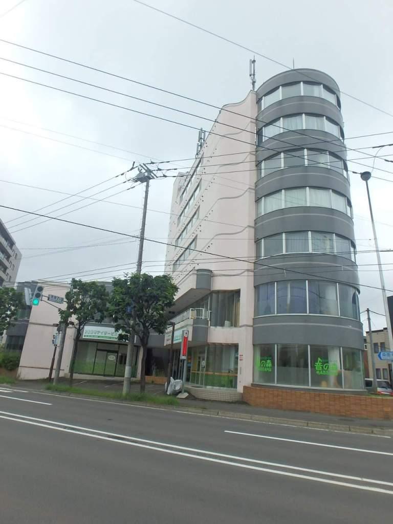 北海道札幌市西区、発寒中央駅徒歩8分の築26年 7階建の賃貸マンション
