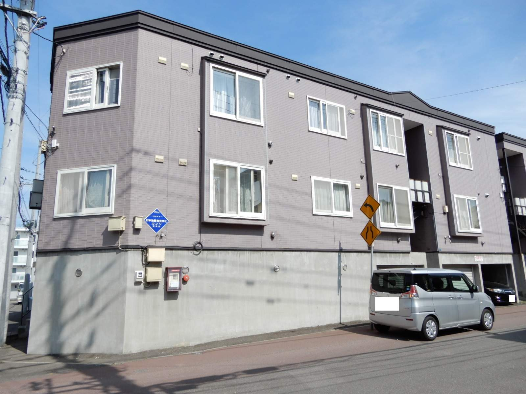 北海道札幌市西区、発寒中央駅徒歩15分の築22年 3階建の賃貸アパート