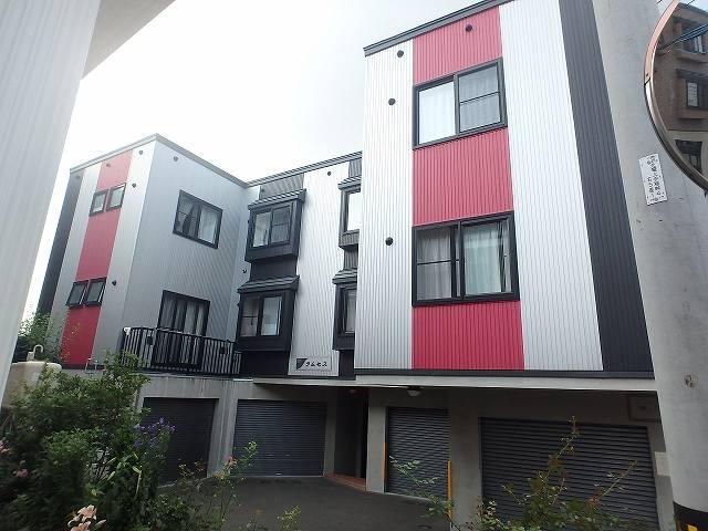 北海道札幌市西区、宮の沢駅徒歩9分の築12年 3階建の賃貸アパート
