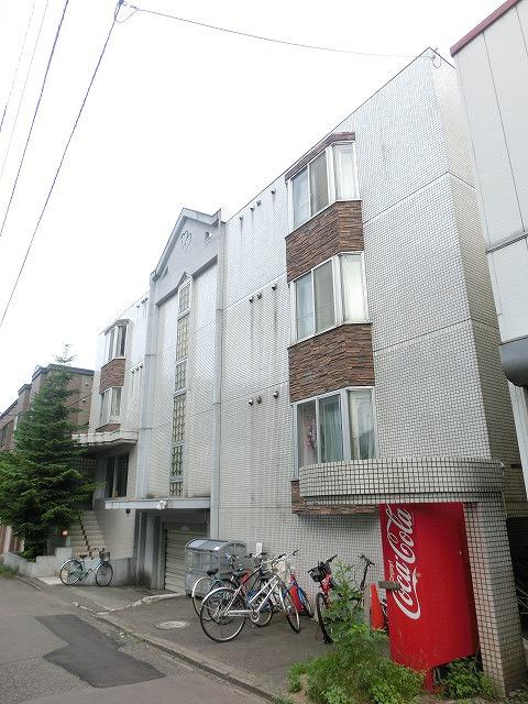 北海道札幌市西区、琴似駅徒歩7分の築30年 4階建の賃貸マンション