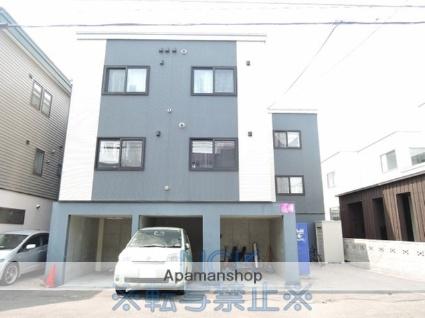 北海道札幌市東区、北34条駅徒歩17分の築9年 3階建の賃貸アパート