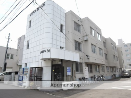 北海道札幌市東区、栄町駅徒歩12分の築30年 3階建の賃貸マンション