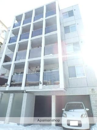 北海道札幌市北区、北34条駅徒歩16分の築4年 5階建の賃貸マンション