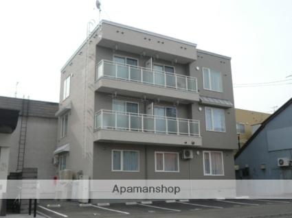 北海道札幌市北区、麻生駅徒歩14分の築8年 3階建の賃貸アパート