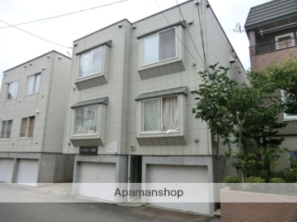 北海道札幌市東区、元町駅徒歩11分の築24年 3階建の賃貸アパート