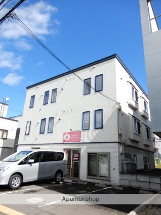 北海道札幌市東区、北12条駅徒歩11分の築11年 3階建の賃貸アパート