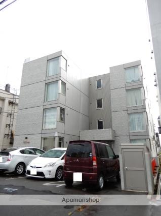北海道札幌市北区、北34条駅徒歩19分の築4年 4階建の賃貸マンション