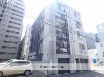北海道札幌市北区、札幌駅徒歩7分の築3年 4階建の賃貸マンション
