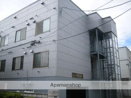 北海道札幌市東区、麻生駅徒歩10分の築31年 3階建の賃貸アパート