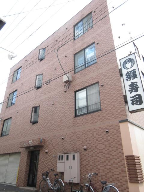 北海道札幌市中央区、西11丁目駅徒歩11分の築11年 4階建の賃貸マンション