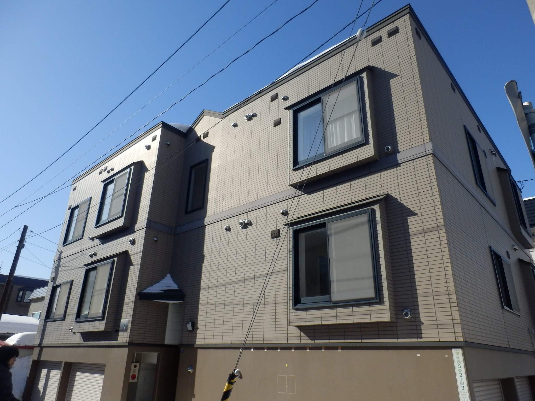 北海道札幌市白石区、菊水駅徒歩18分の築18年 3階建の賃貸アパート