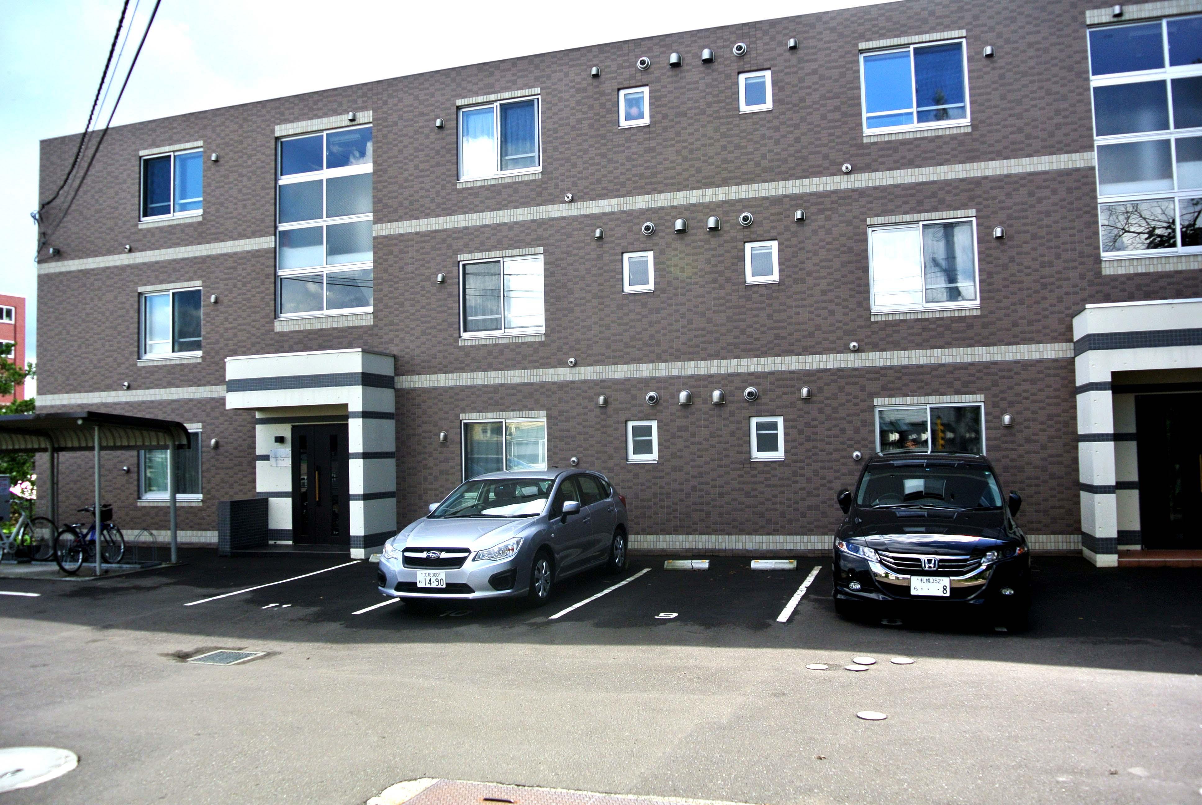 北海道札幌市中央区、電車事業所前駅徒歩11分の築9年 3階建の賃貸マンション
