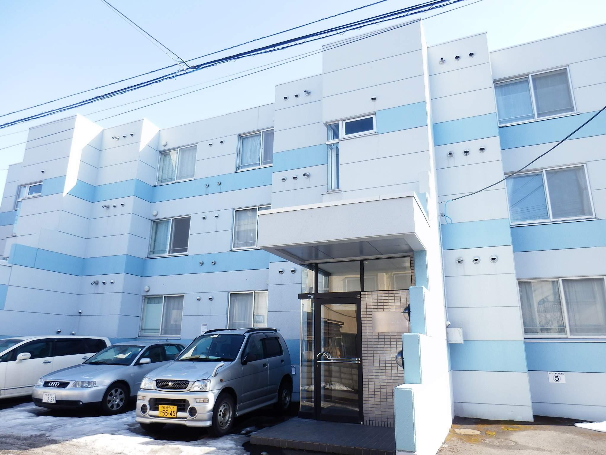 北海道札幌市中央区、中央図書館前駅徒歩7分の築28年 3階建の賃貸マンション