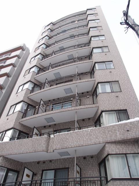 北海道札幌市中央区、西11丁目駅徒歩6分の築26年 11階建の賃貸マンション