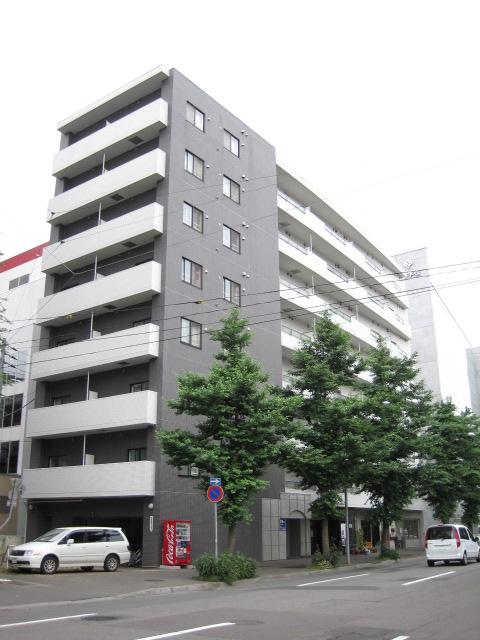 北海道札幌市中央区、西11丁目駅徒歩7分の築9年 8階建の賃貸マンション
