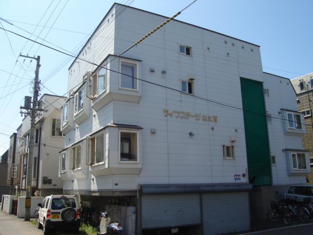 北海道札幌市中央区、桑園駅徒歩11分の築22年 3階建の賃貸アパート