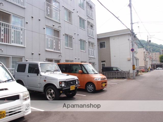 北海道札幌市中央区、円山公園駅徒歩8分の築28年 4階建の賃貸マンション