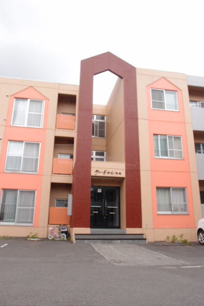 北海道札幌市中央区、西28丁目駅徒歩14分の築28年 3階建の賃貸マンション