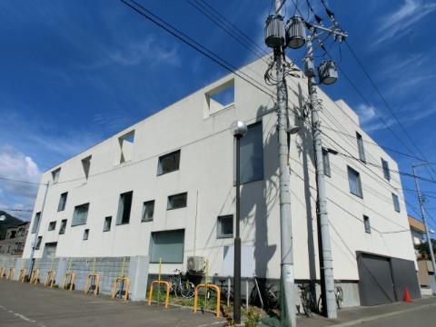 北海道札幌市中央区、西28丁目駅徒歩6分の築13年 4階建の賃貸マンション