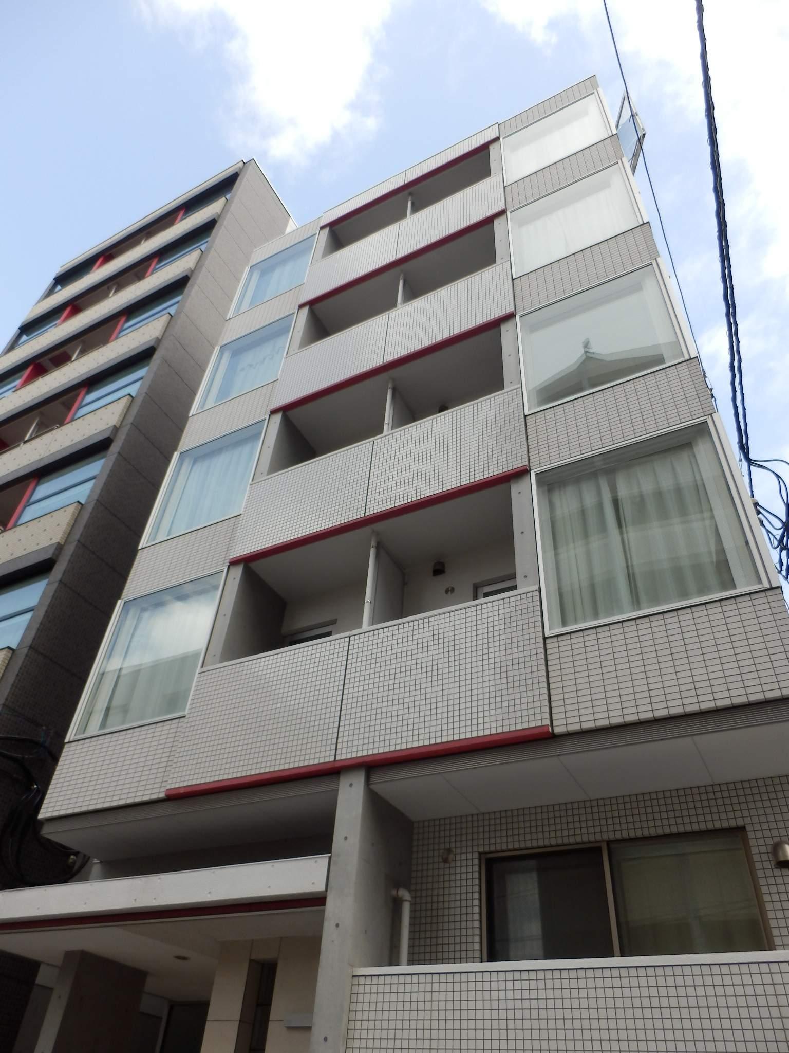 北海道札幌市中央区、バスセンター前駅徒歩3分の築8年 5階建の賃貸マンション