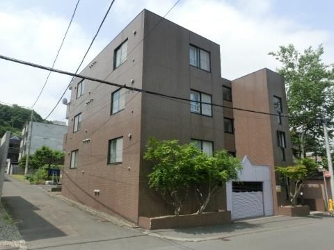 北海道札幌市中央区、西28丁目駅徒歩15分の築27年 4階建の賃貸マンション