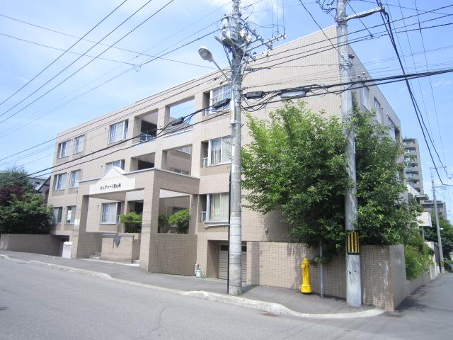 北海道札幌市中央区、二十四軒駅徒歩17分の築26年 3階建の賃貸マンション