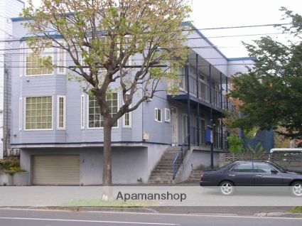 北海道札幌市中央区、西28丁目駅徒歩11分の築31年 3階建の賃貸アパート