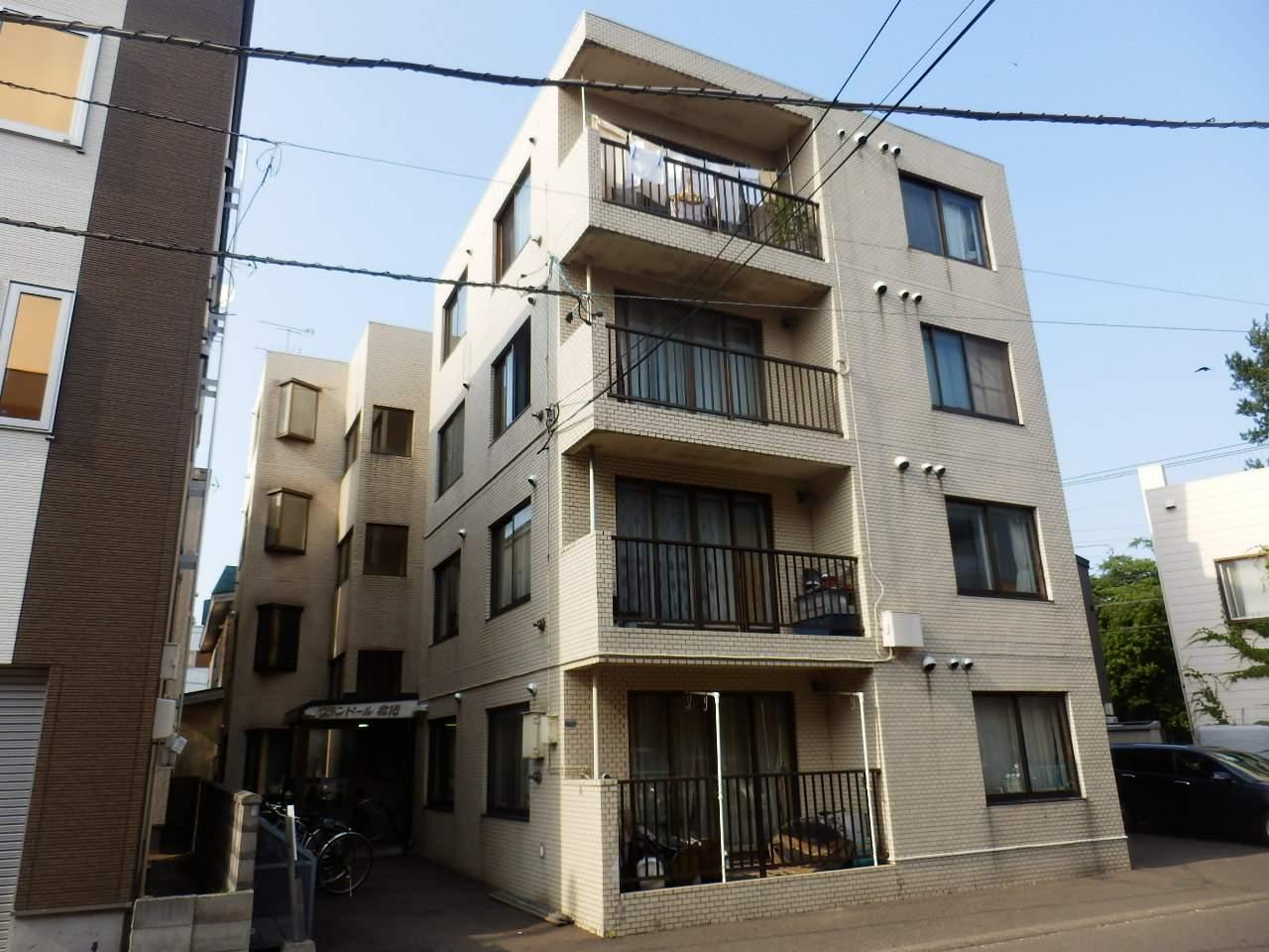 北海道札幌市中央区、桑園駅徒歩12分の築28年 4階建の賃貸マンション