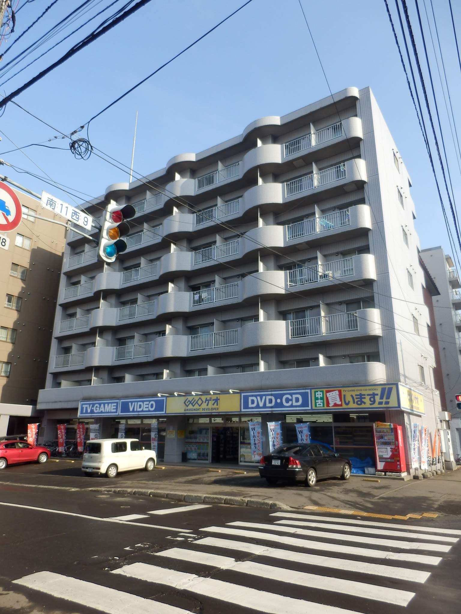 北海道札幌市中央区、中島公園駅徒歩12分の築28年 7階建の賃貸マンション
