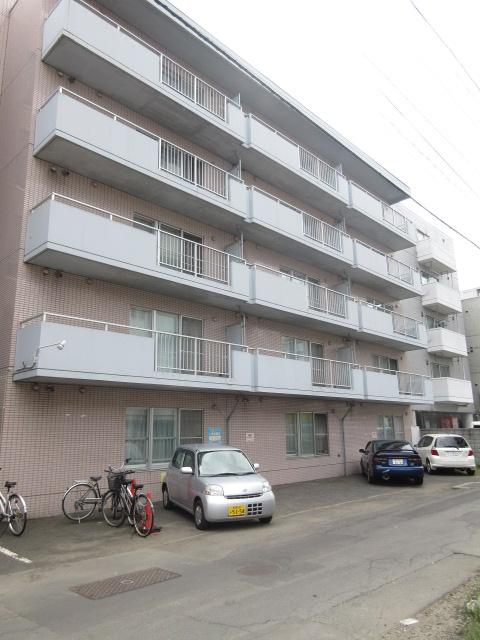 北海道札幌市中央区、中央区役所前駅徒歩9分の築29年 5階建の賃貸マンション