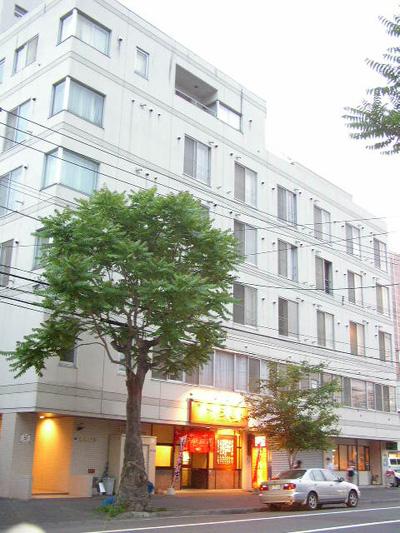 北海道札幌市中央区、桑園駅徒歩11分の築27年 6階建の賃貸マンション