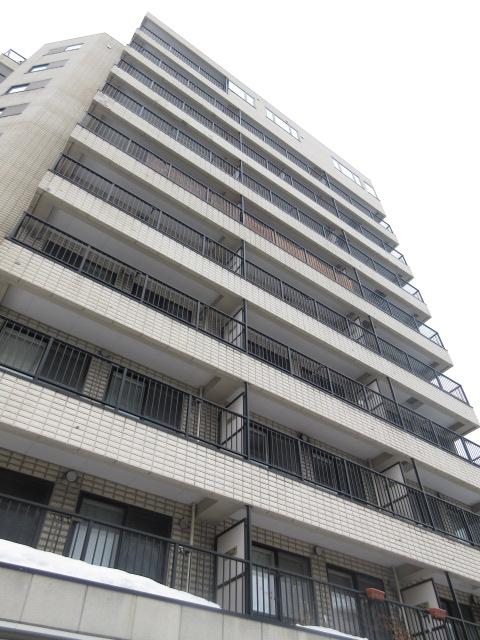 北海道札幌市中央区、バスセンター前駅徒歩7分の築15年 10階建の賃貸マンション