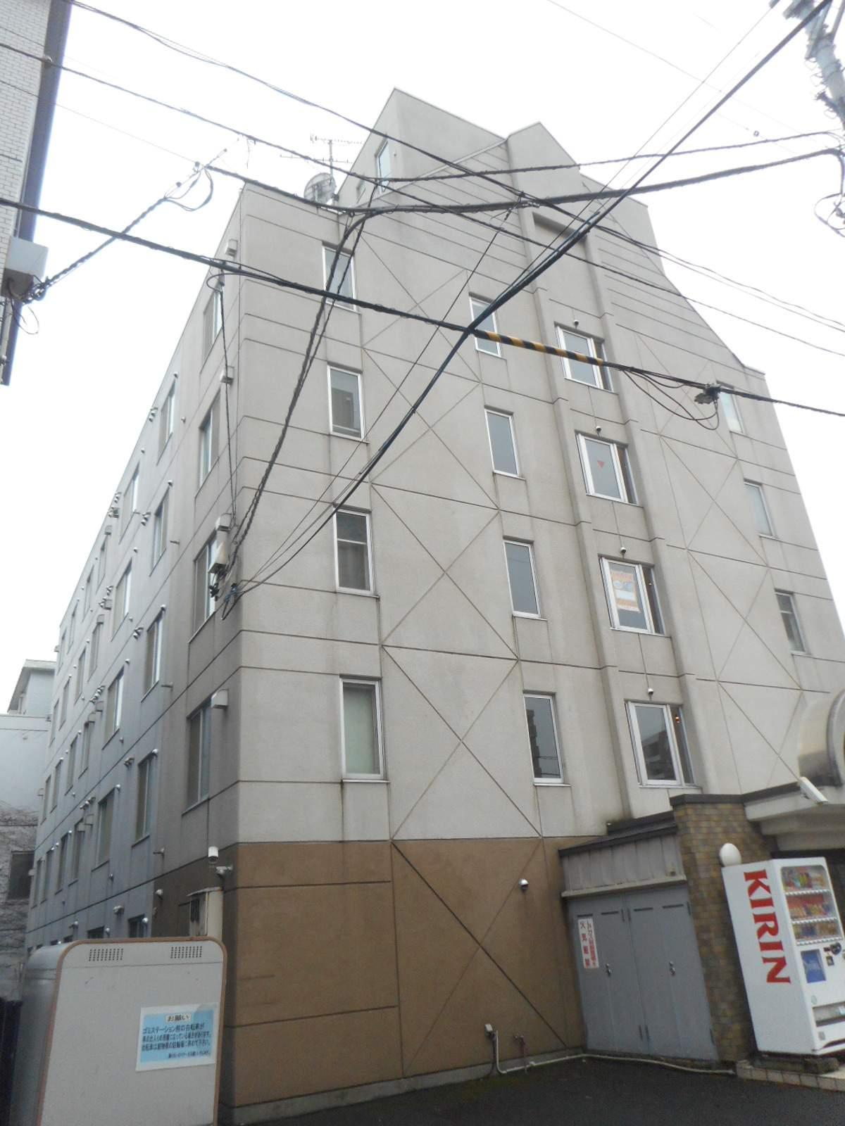 北海道札幌市中央区、札幌駅徒歩13分の築29年 5階建の賃貸マンション
