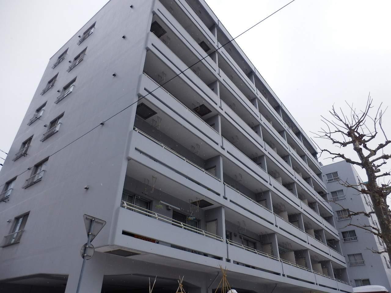北海道札幌市中央区、桑園駅徒歩15分の築37年 12階建の賃貸マンション