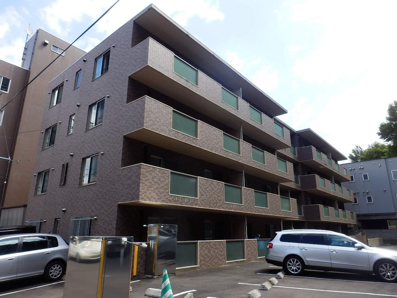 北海道札幌市中央区、電車事業所前駅徒歩7分の築8年 4階建の賃貸マンション