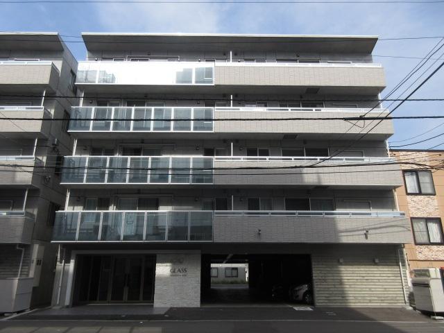 北海道札幌市中央区、西線9条旭山公園通駅徒歩11分の築1年 5階建の賃貸マンション