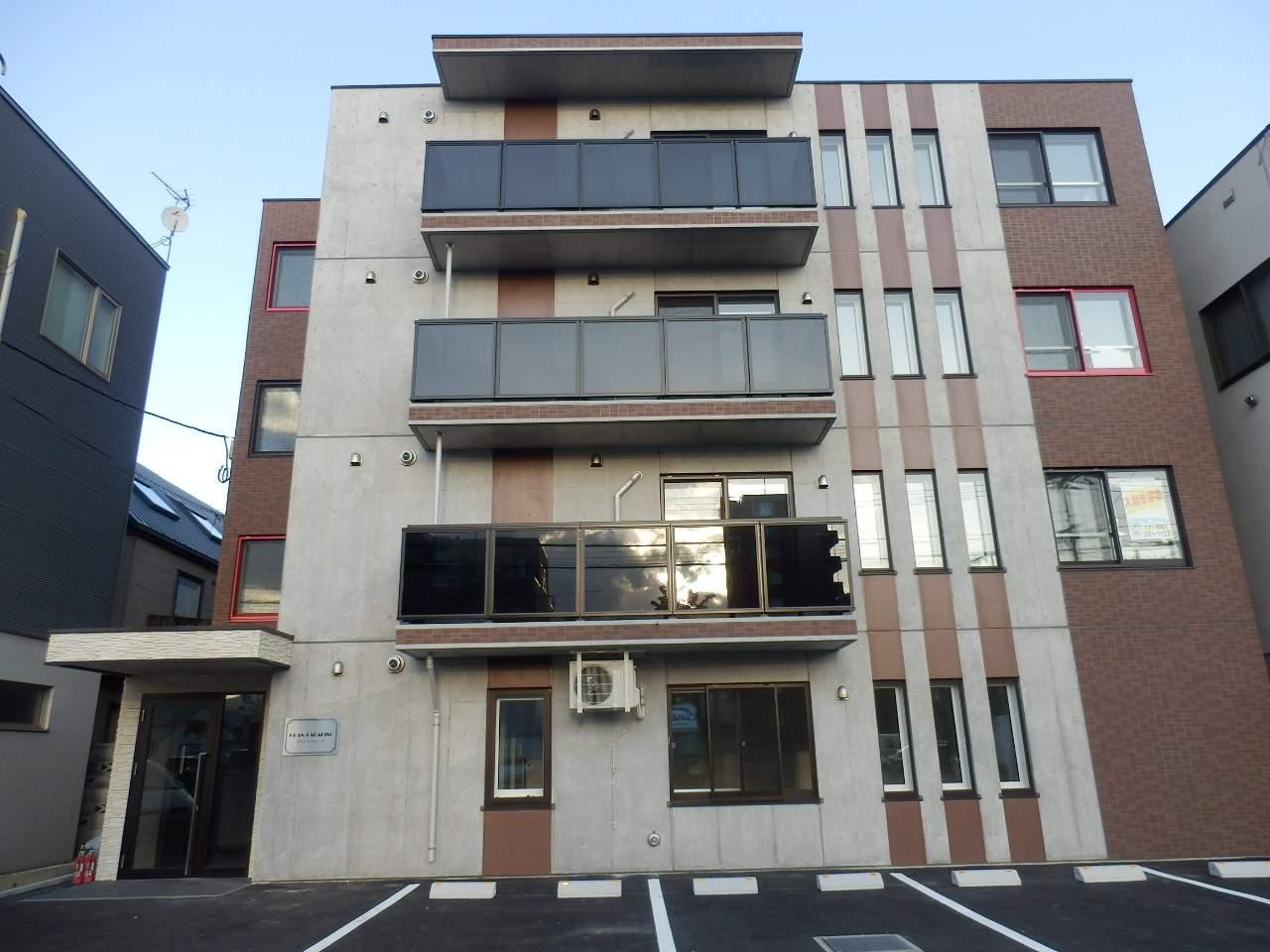 北海道札幌市中央区、桑園駅徒歩8分の築1年 4階建の賃貸マンション