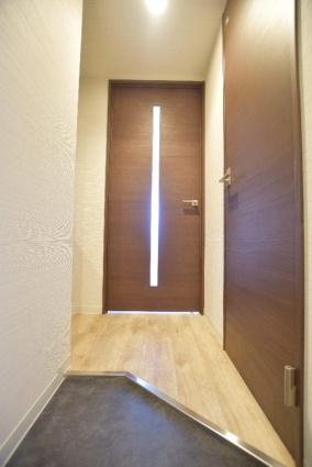 北海道札幌市中央区南七条西12丁目[1LDK/32m2]の玄関
