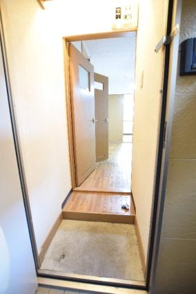 北海道札幌市中央区南五条西16丁目[1DK/21.98m2]の玄関