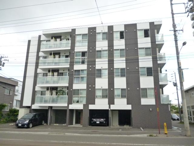 北海道札幌市中央区、西線14条駅徒歩4分の築4年 5階建の賃貸マンション