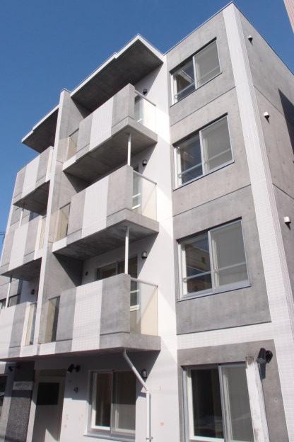 北海道札幌市中央区、西28丁目駅徒歩3分の築2年 4階建の賃貸マンション